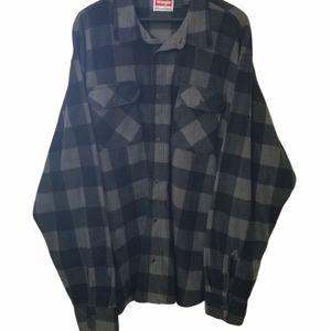 Wrangler Long Sleeve shirt 100 percent polyester